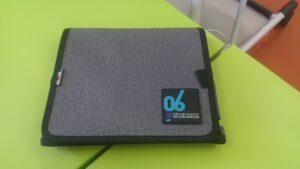 """Pochette tablette signée """"Départment des Alpes-Maritimes"""""""
